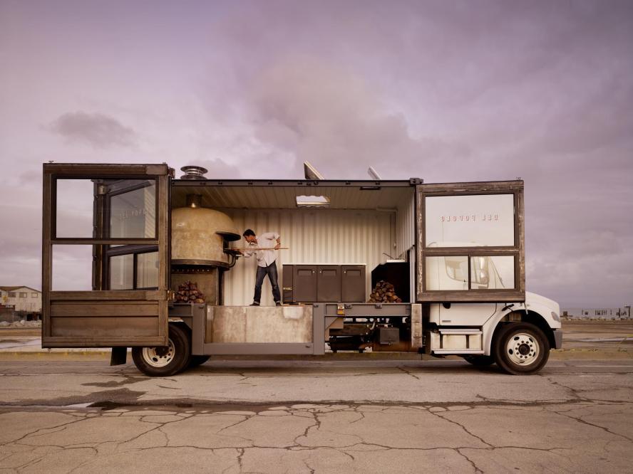 Jon Darsky in zijn prachtige pizzatruck